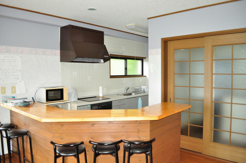 鴨川天面 室内 キッチンカウンター