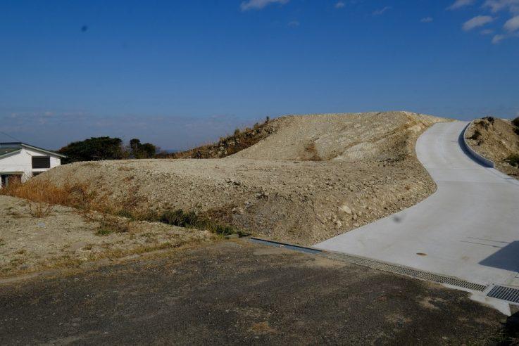 富士見R-8 敷地 道路から左