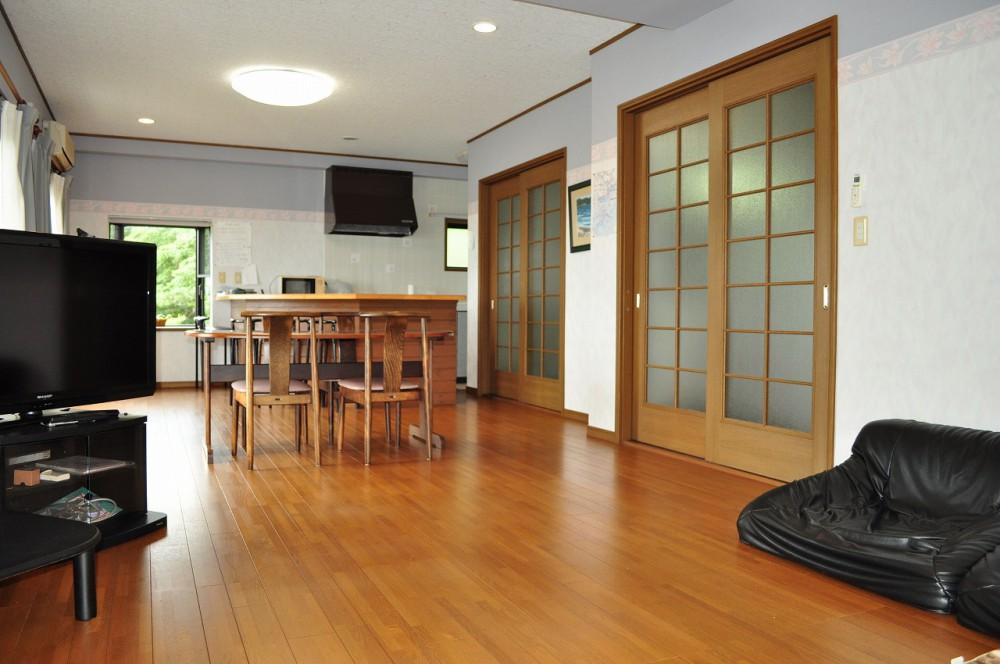 鴨川天面 室内 キッチン側